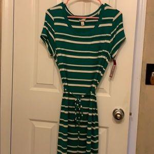 Striped tie dress w/ pocket.
